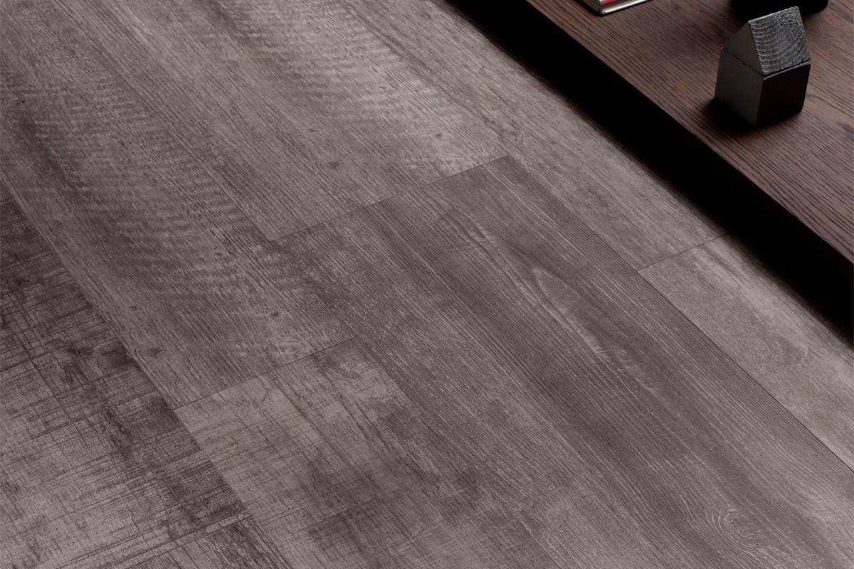 Immagini Gres Porcellanato Effetto Legno gres-porcellanato-effetto-legno-tavolato-scuro – calligione